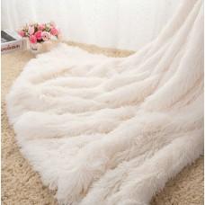 Narzuta dwustronna na łóżko 160x200 włochata biała
